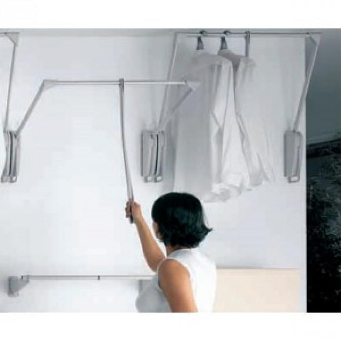 Barra basculante pared - Barra colgar ropa ...