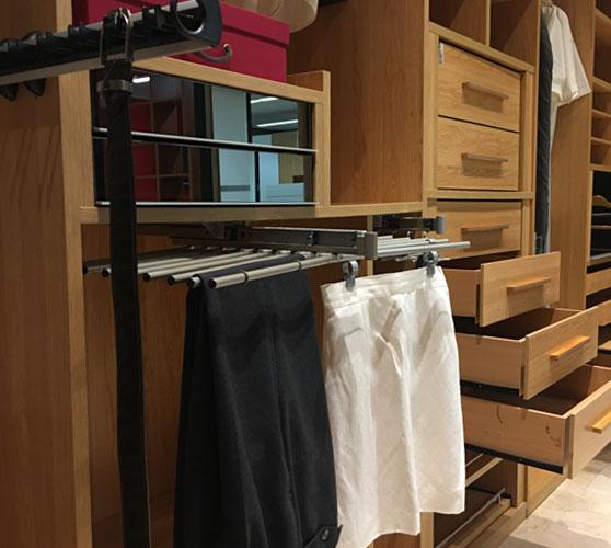 ¿Necesitas accesorios para tu armario?